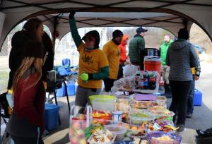 Volunteers and Spread - Photo David Metsky